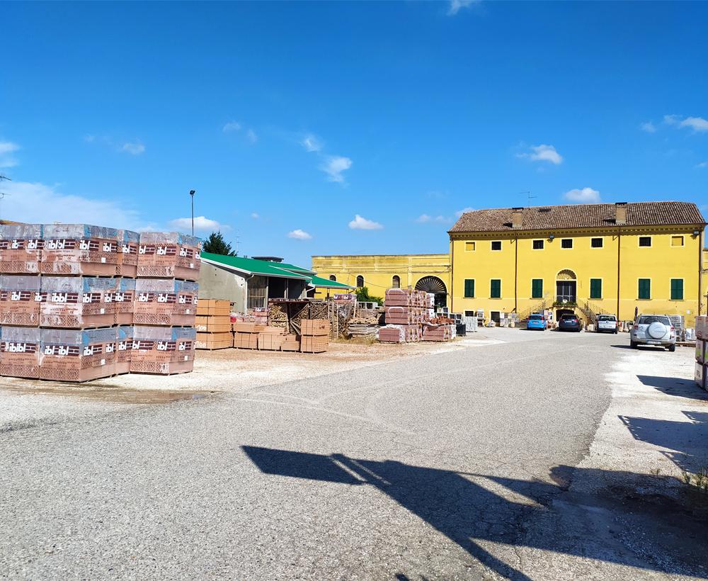 Silla magazzino edilizia Migliarino